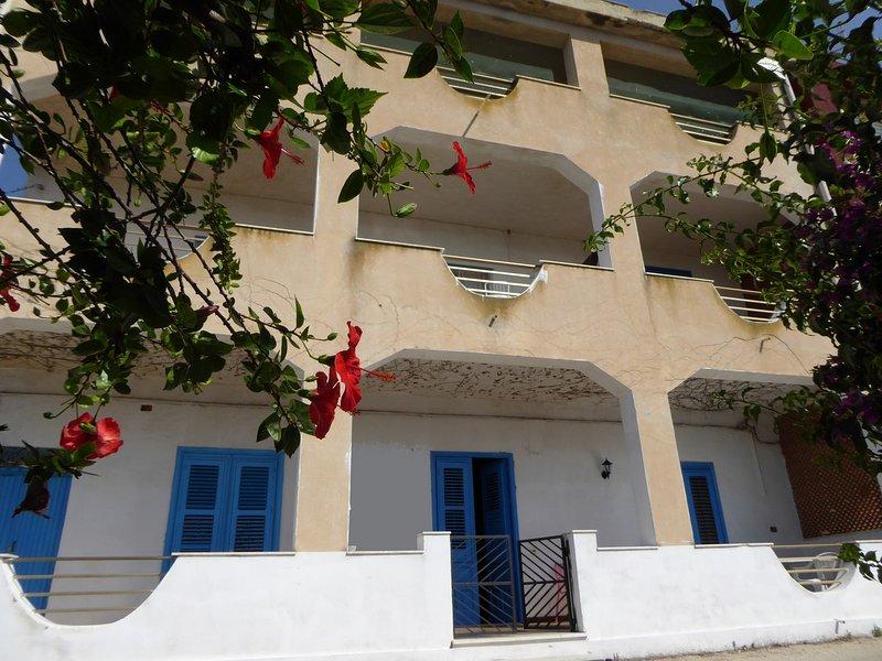 Gio - Affitta camere Piccoledonne, vacation rental in Marina di Palma