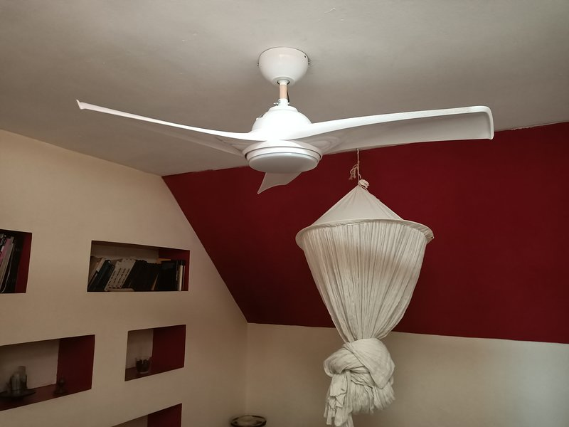 New ceiling fan, with different types of light and ultra quiet :)