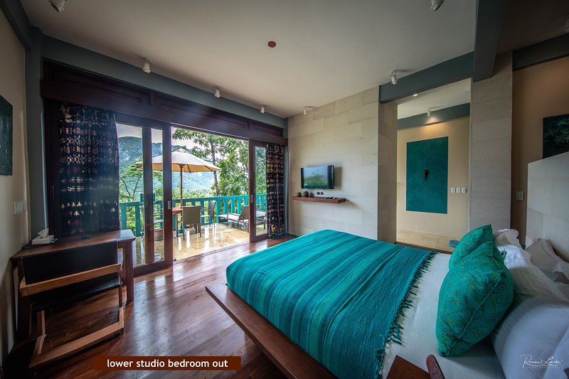KARUNA STUDIO 1 - OCEAN VIEW, holiday rental in Palawan Province