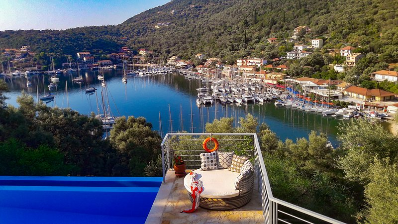 Ktima Aniforeli - Villa Athena • No car required, holiday rental in Fterno