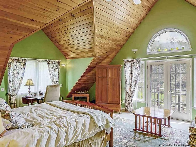 Majestic King Master Suite, vacation rental in Andes