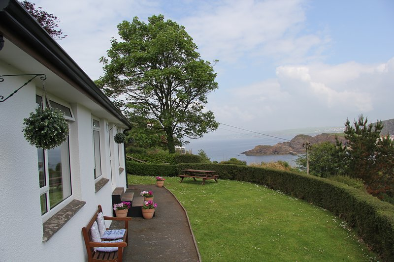 Detached 3 bedroom Bungalow with stunning views in Hope Cove, vacation rental in Salcombe