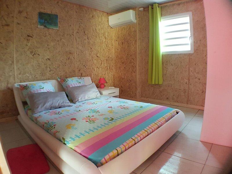 Beautiful house with terrace & Wifi, location de vacances à Mont-Vert les Bas
