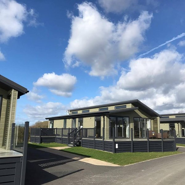 Wold View Fisheries and Leisure Park, holiday rental in Glentham