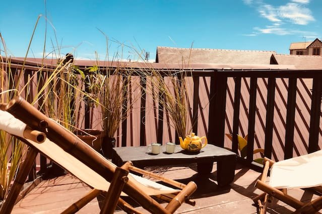 Beautiful apt with terrace & Wifi, alquiler de vacaciones en Antananarivo