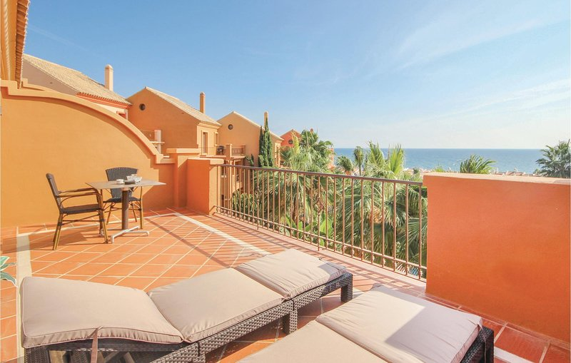 Beautiful home in Manilva with 2 Bedrooms (EAS013), holiday rental in Torreguadiaro