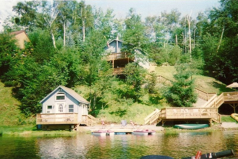 Primary Home on Lake Eden Water Front, holiday rental in Eden Mills