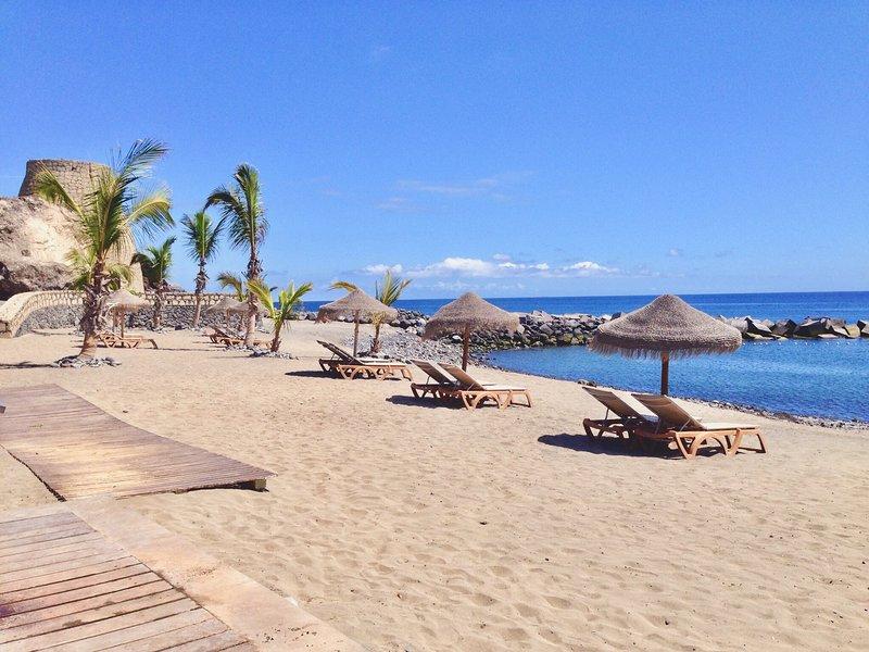 Number 5 at The Marina, Playa San Juan. SUPERFAST WiFi, alquiler vacacional en Playa San Juan