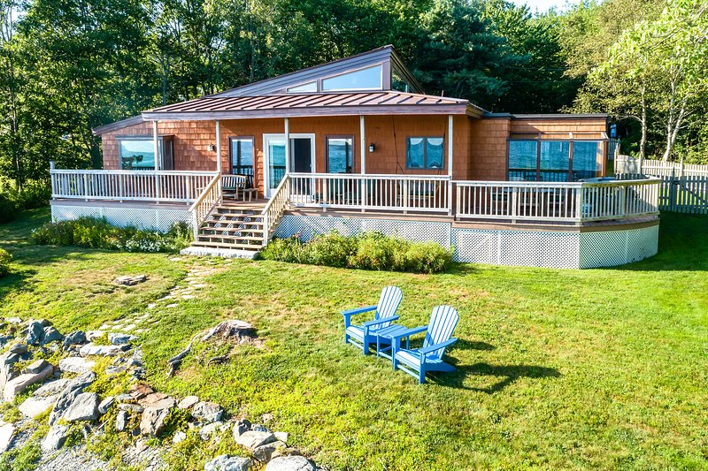 Oceanfront Trenton Home w/ Porch & Acadia Views!, vacation rental in Trenton