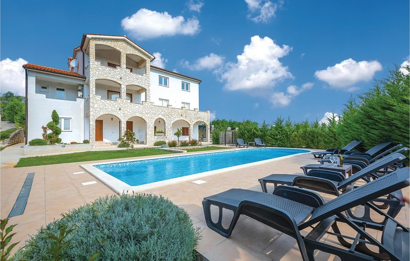 Awesome home in Labin-Krsan with WiFi and 6 Bedrooms (CIK018), casa vacanza a Sumber