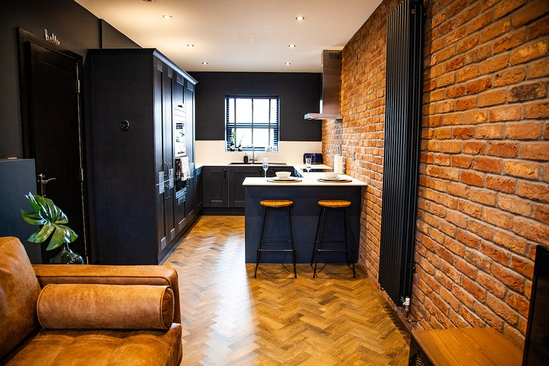 IPI Barbershop - Apartment 1, vacation rental in Ashton-under-Lyne