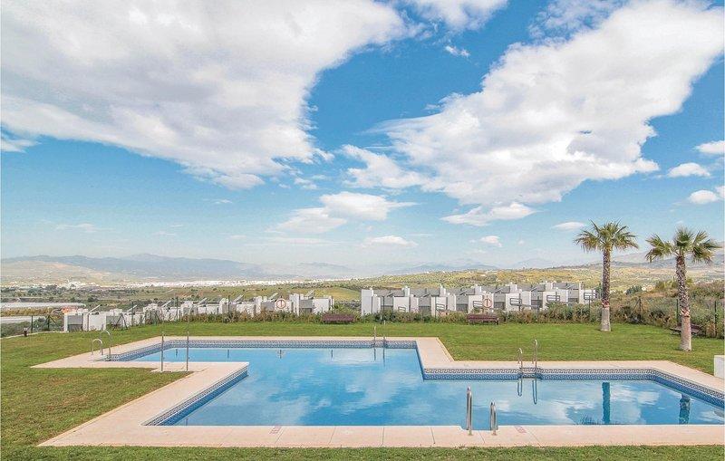 Stunning home in Vélez w/ Outdoor swimming pool, WiFi and Outdoor swimming pool, alquiler vacacional en Vélez-Málaga