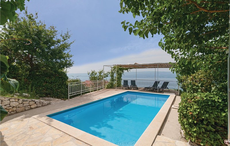 Awesome home in Duce with WiFi and 2 Bedrooms (CDM804), alquiler vacacional en Duce