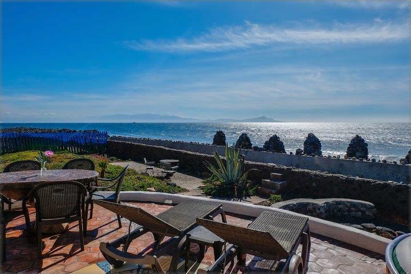 OCEANFRONT Villa Bitterlin, vacation rental in Ensenada
