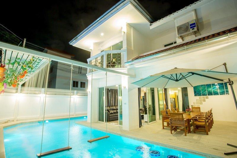 Baan MaLi Pattaya Pool Villa., holiday rental in Pattaya