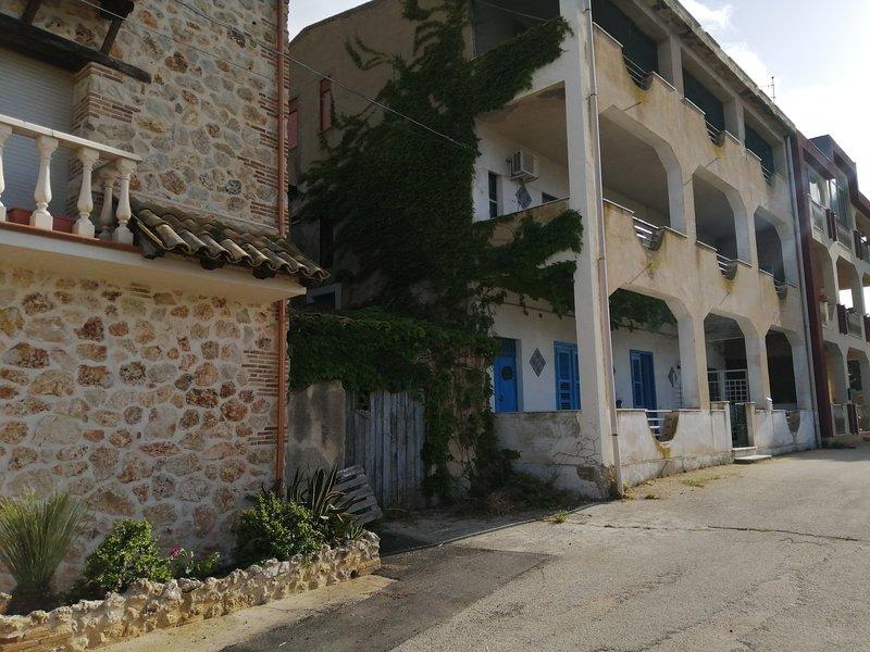 Affitta camere Piccoledonne DaGi, vacation rental in Marina di Palma