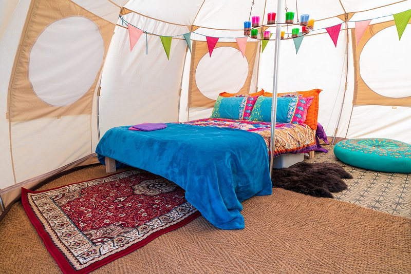 Mad Hatters Campsite & Glamping - Mad Hatter Luna Tent, holiday rental in Hockwold cum Wilton