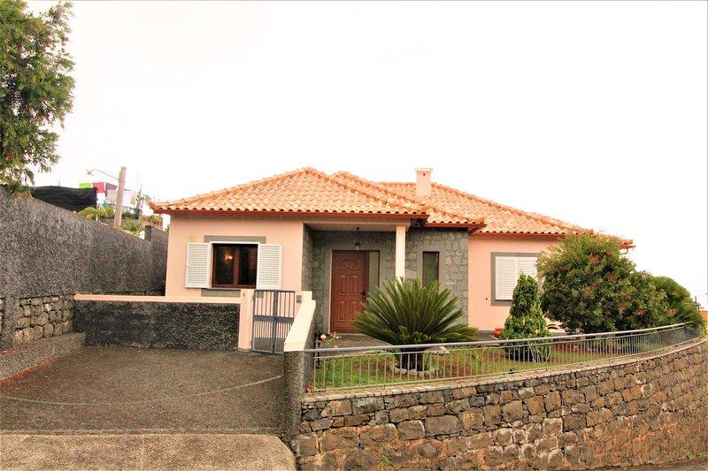 Santana Luxury Villa, holiday rental in Santana