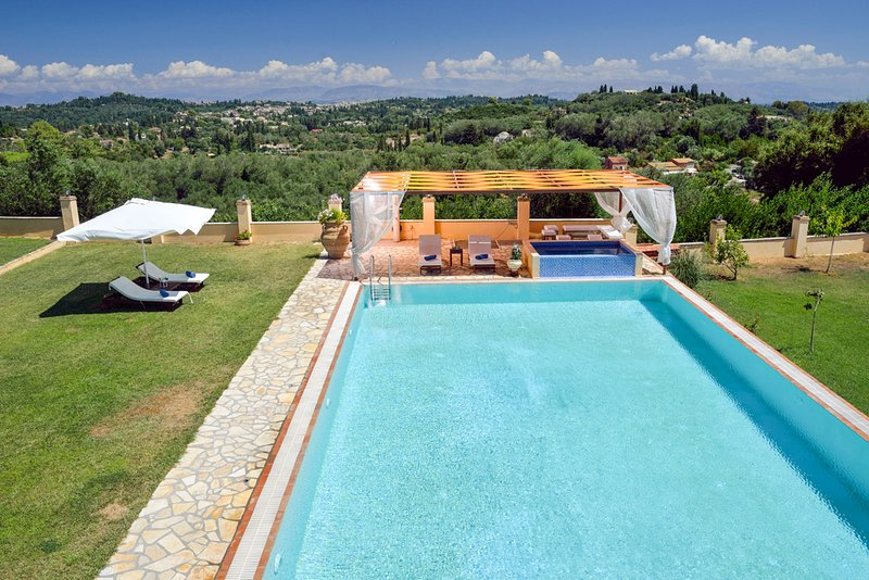 Agios Ioannis Villa Sleeps 10 with Pool and Air Con - 5229686, holiday rental in Agios Ioannis