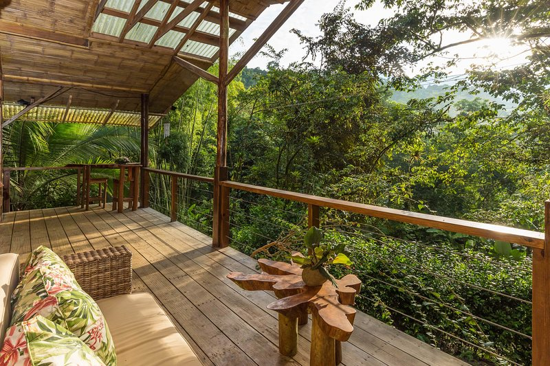 Two-story, eco-friendly cabin w/ a full kitchen & two furnished balconies, vacation rental in San Vito