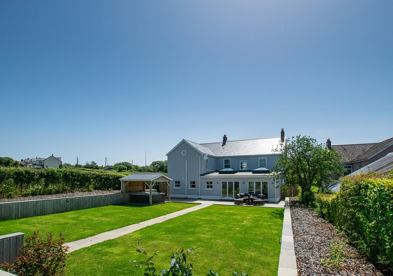 Llety Celyn - The Hollies, vacation rental in Llangathen