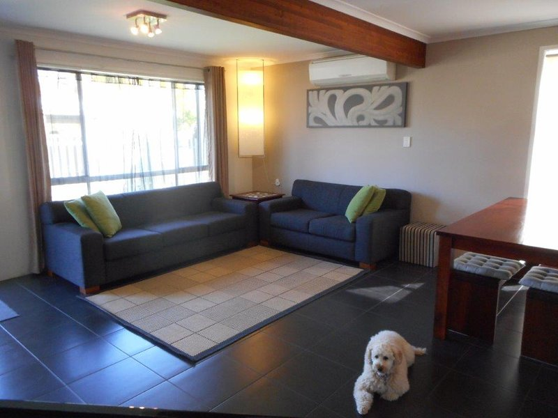 Caloundra Beach Townhouse - Pet Friendly, vacation rental in Caloundra