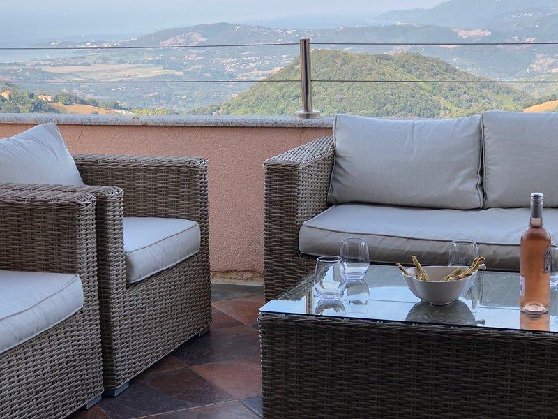 Villa vue mer Corse du Sud/ Golfe de Valinco 8 à 10 personnes indépendante, vacation rental in Petreto-Bicchisano