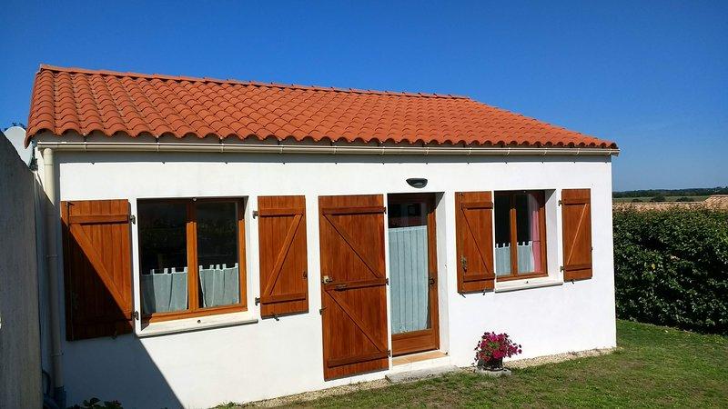 Dolphin Gîtes, New Cottage, Vendée, Ferienwohnung in L'Aiguillon-sur-Vie