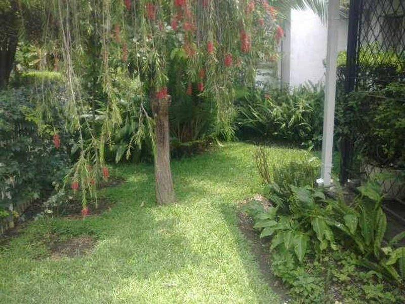 Candy's Cottage, Villa Monacco, alquiler de vacaciones en Provincia de Harare