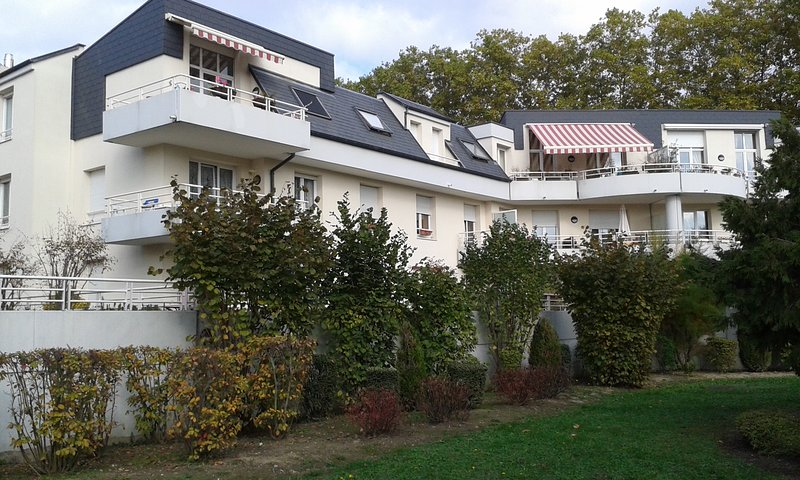 Nice apartment with terrace & Wifi, vacation rental in Lingolsheim