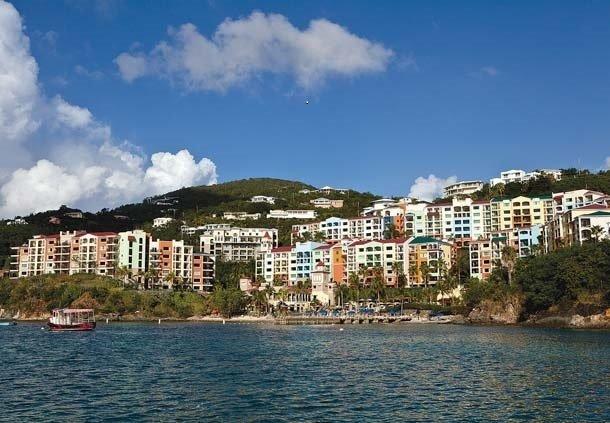 vista sul resort dal porto