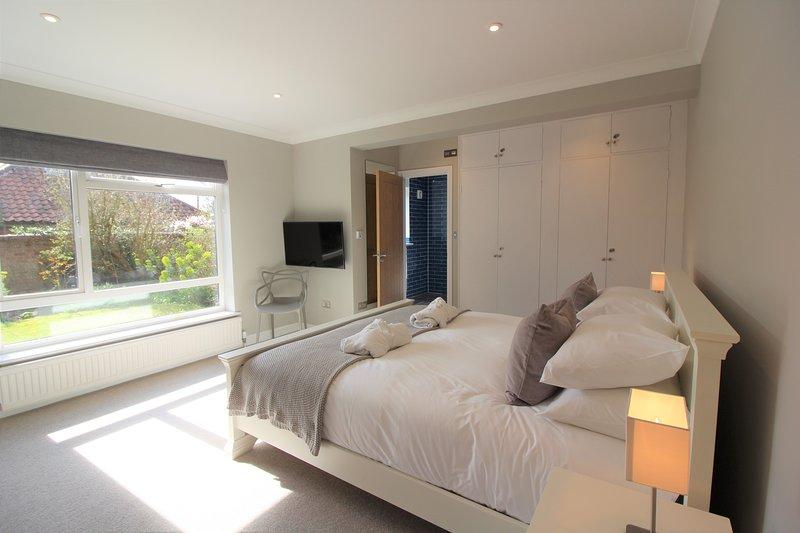 Over Norton, Burnham Market - newly refurbished 4 bed holiday let, vacation rental in Burnham Market
