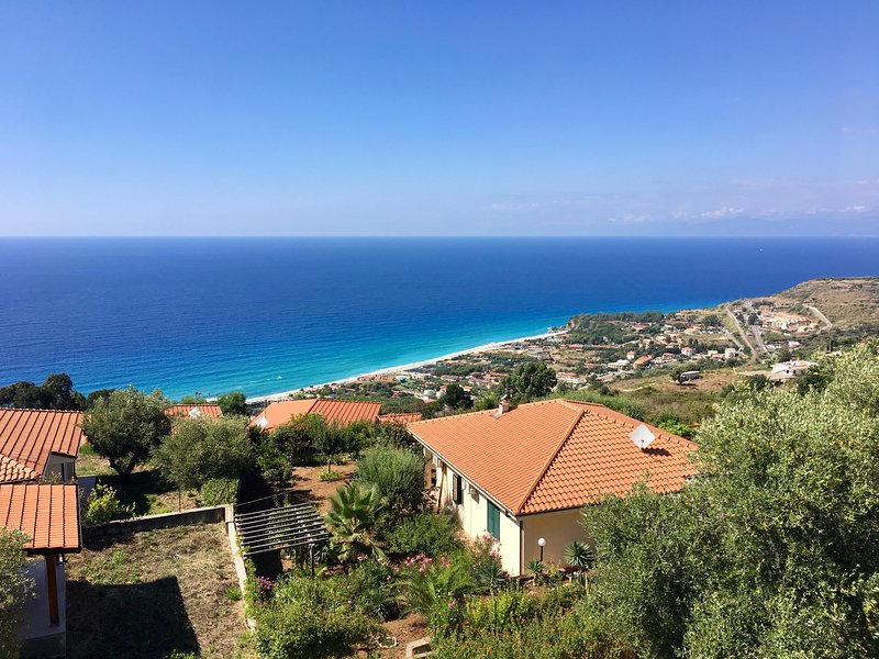 Bella Vista - Holiday home with sea view in southern Italy, holiday rental in Filandari