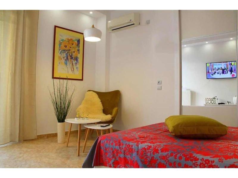 Cozy Apartment at Faliro FAL412D, holiday rental in Paleo Faliro