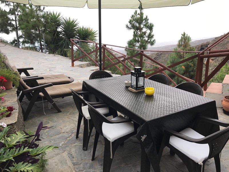 Casa cueva con espectaculares vistas., location de vacances à Fasnia