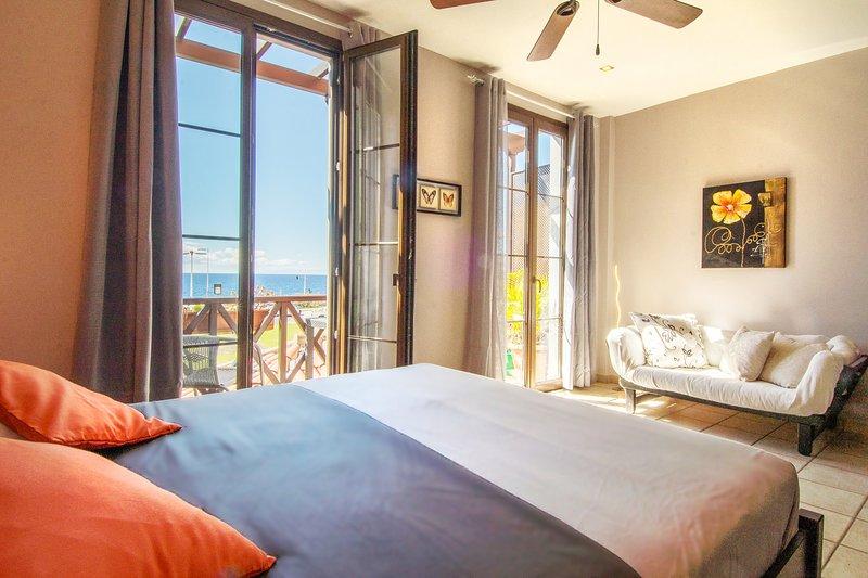 Precioso apartamento de 2 plantas con vistas al mar, vacation rental in Bajamar