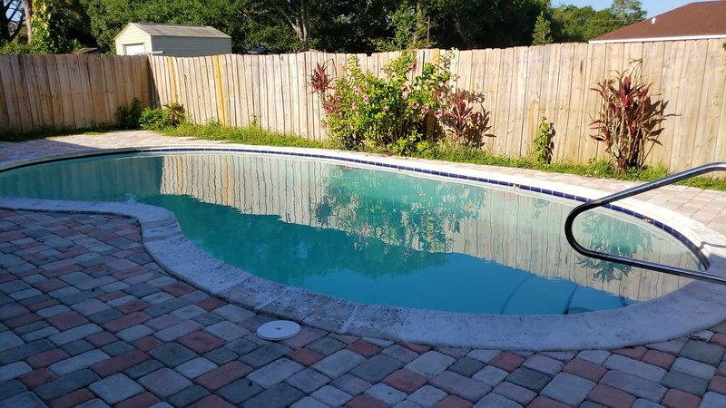 POOL HOME NEAR BEACH AND RIVER, holiday rental in Hutchinson Beach
