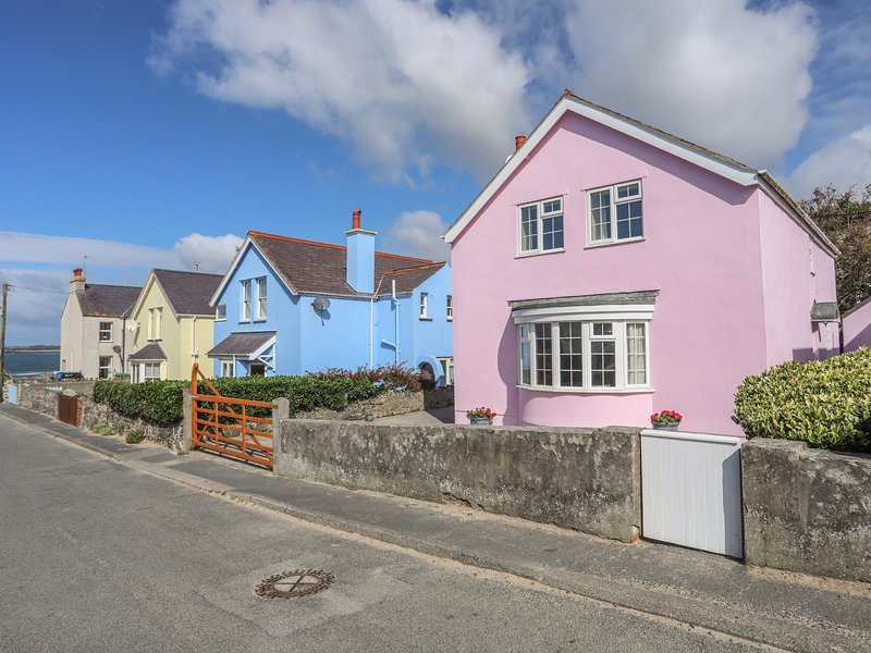 The Pink House, Rhosneigr, vacation rental in Rhosneigr