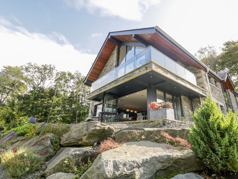 Lakeside at Louper Weir, Bowness-On-Windermere, vacation rental in Bowland Bridge