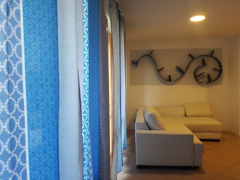 Grazioso appartamento in zona comoda ai servizi, holiday rental in Anzola dell'Emilia