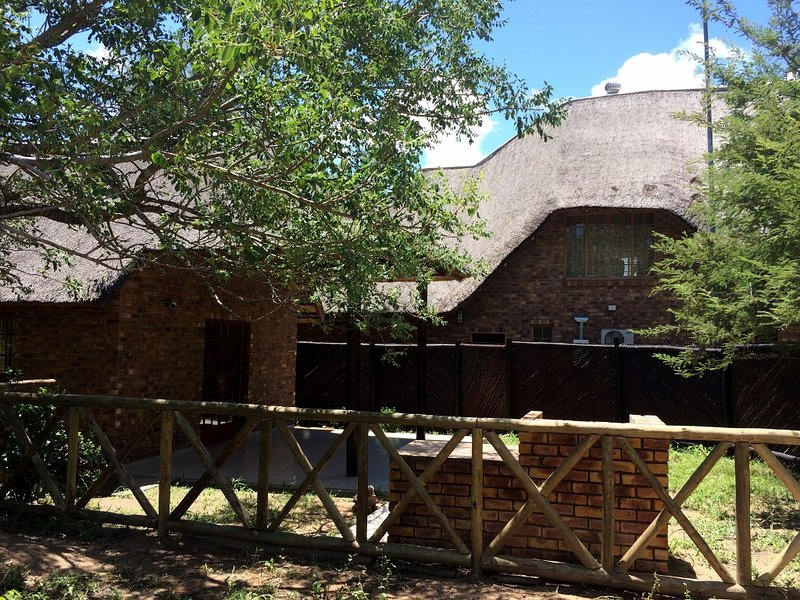 Side view of Bush Cottage sited in the grounds of Chipembere Bush Lodge
