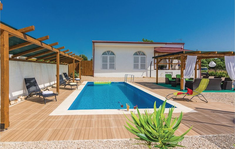 Nice home in Kakma with WiFi and 4 Bedrooms (CDA345), holiday rental in Polaca