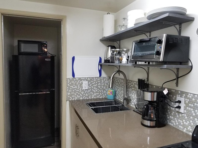Refrigerator/Freezer and Microwave