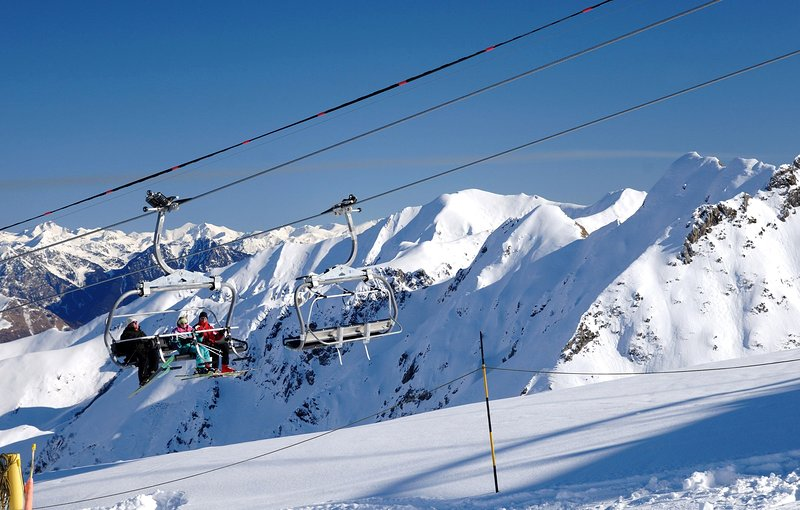 Ski the slopes in Les Peyragudes!