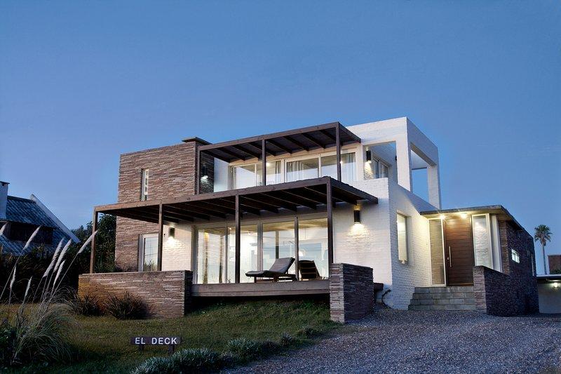 'El Deck' - Espectacular casa frente al mar, casa vacanza a Rocha