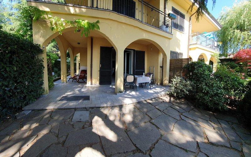 ROSE'S GARDEN - UN ANGOLO DI QUIETE, vacation rental in Sciolze
