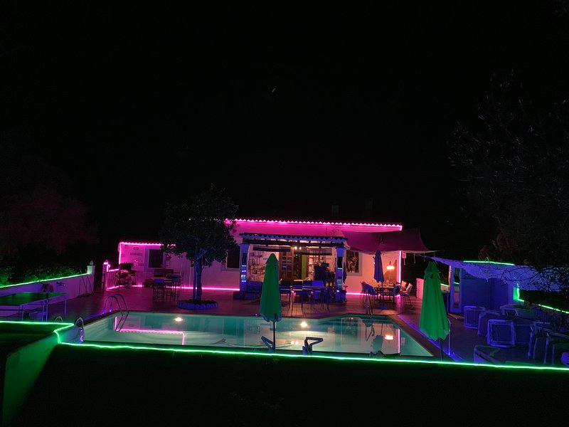 holiday home in ibiza VILLA 5 double bedrooms 3 BATHROOMS 2 Kitchens  POOL SEA, holiday rental in San Juan Bautista