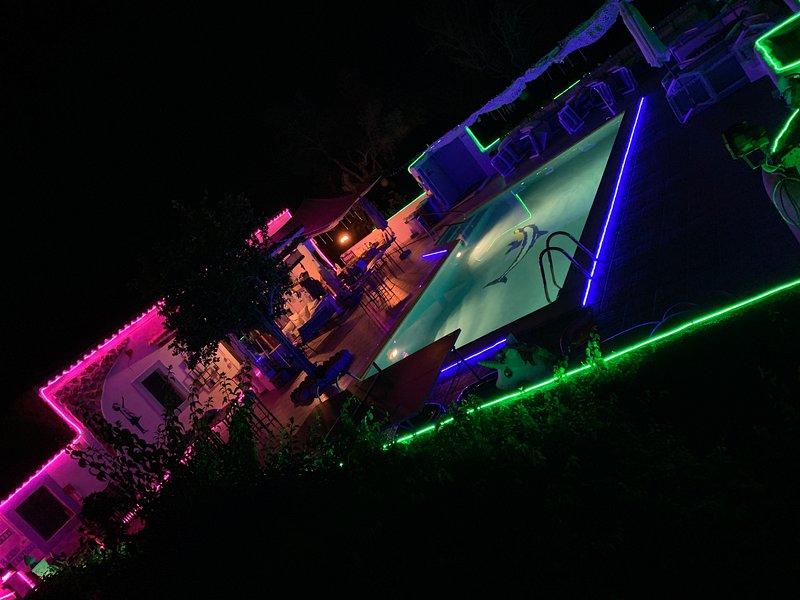 Villa / 5 DOUBLE bedrooms 3 wc  big pool WIFI & SEA, holiday rental in San Juan Bautista