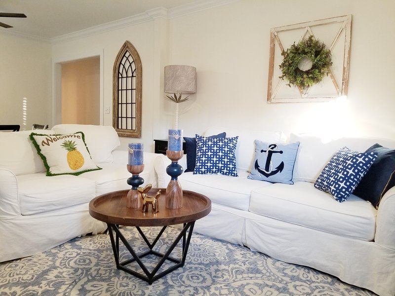 Perfect Location Private Quiet All Ground Level 2 Bed 1 Bath House South Island, vacation rental in Saint Simons Island