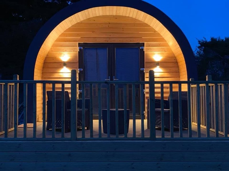 Daviot Luxury Pods, holiday rental in Farr